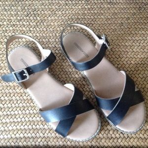 Tucker and Tate Girls Sandals - size 5